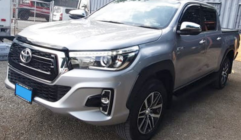 2020 Toyota Hilux TRD Sport full